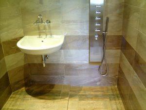 Почистване на баня и тоалетна