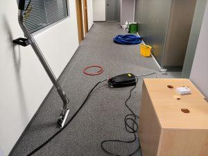 """""""Про Клийн Сървисис"""" – партньор за професионално почистване на вашия офис"""