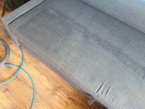 Почистване на мека мебел в офиса 2